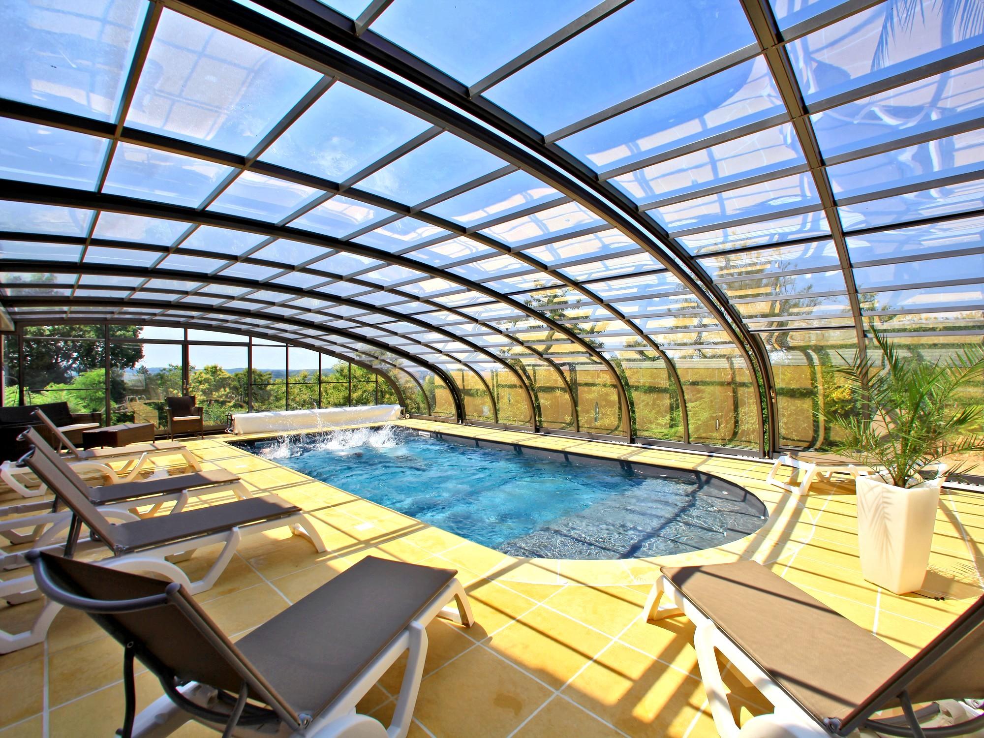piscine chauffee couverte